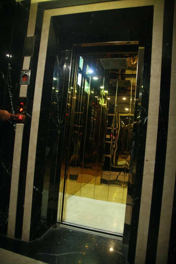 jaimini Glass Lift 16