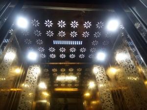 Jaimini Glass Lift 2