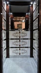 Jaimini glass lift 4